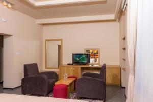 A seating area at Hotel Lirak