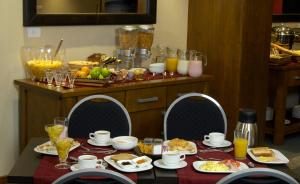 Breakfast options available to guests at Cilene del Faro Suites & Spa
