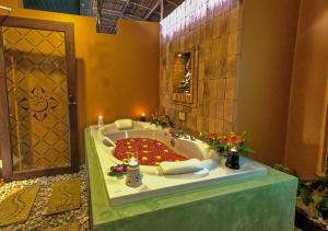 A bathroom at Mangosteen Ayurveda & Wellness Resort - SHA Plus