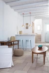 Coin salon dans l'établissement Villa Del Sol Mykonos