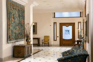 A seating area at Katane Palace Hotel