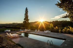 A piscina em ou perto de Solar Dos Cáceres