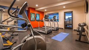 The fitness center and/or fitness facilities at Best Western Plus Clocktower Inn