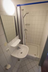 A bathroom at acama Hotel & Hostel Kreuzberg