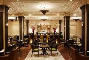 A restaurant or other place to eat at The Pierre, A Taj Hotel, New York