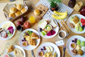 Breakfast options available to guests at Star Hostel Taipei Main Station