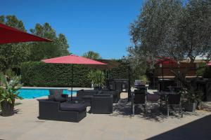 The swimming pool at or close to Aeroport Hotel - Parc Expo