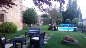Jardín al aire libre en Antiguo Palacio De Atienza