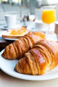 Options de petit-déjeuner proposées aux clients de l'établissement Campanile Rouen Est - Franqueville Saint Pierre