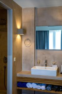 A bathroom at Blue Green Bay