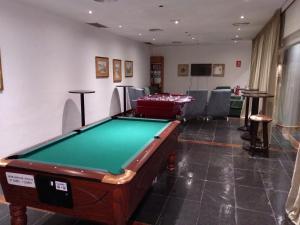 A pool table at Parador de Artíes