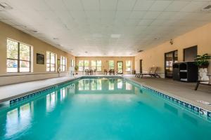 The swimming pool at or near Hampton Inn Dickson