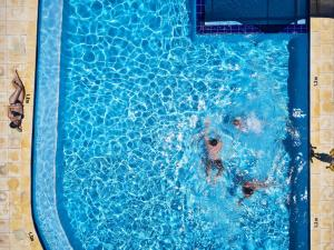 The swimming pool at or near BIG4 Breeze Holiday Parks - Busselton