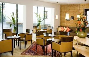 Lounge oder Bar in der Unterkunft Hotel Bon Alpina