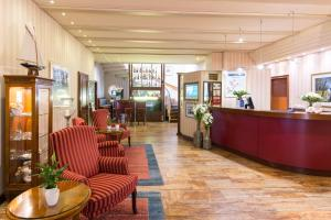 The lobby or reception area at Best Western Seehotel Frankenhorst