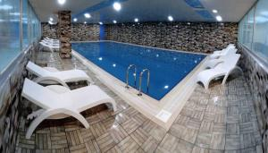 The swimming pool at or near Borapark Otel