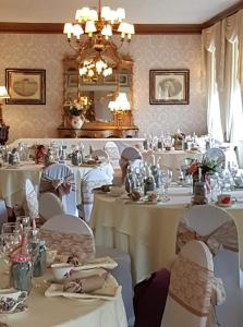 A restaurant or other place to eat at Rowley Manor