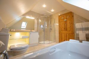 A bathroom at The Tides B&B