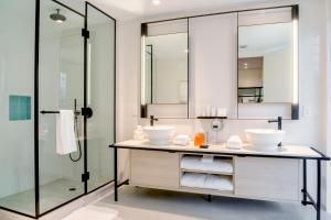 A bathroom at Hyde Suites Midtown