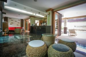 The lobby or reception area at Hua Hin White Sand
