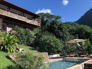 A piscina localizada em La Villa Te Fetia Nui Moorea ou nos arredores