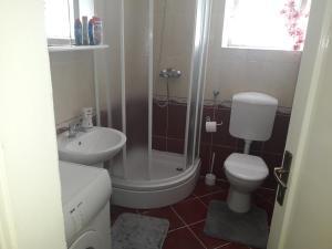 Łazienka w obiekcie Apartman Sanja