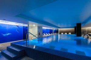 The swimming pool at or near Jupiter Lisboa Hotel