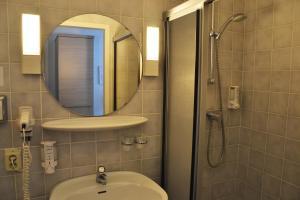 Ein Badezimmer in der Unterkunft Fletcher Hotel Restaurant De Witte Raaf