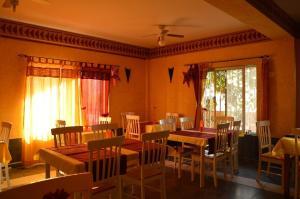 Een restaurant of ander eetgelegenheid bij Porta do Vento
