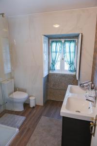 A bathroom at Casa Belavista