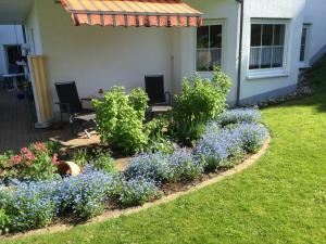 Ein Garten an der Unterkunft Ferienwohnung Kraft