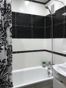 Ванная комната в 1 комнатная квартира в Когалыме