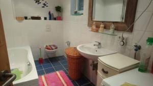 A bathroom at Haus 3 Birken