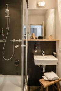 Ein Badezimmer in der Unterkunft Bold Hotel Frankfurt Messe
