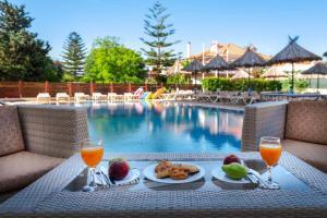 Πισίνα στο ή κοντά στο Sunday Hotel