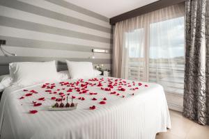 Cama o camas de una habitación en Barceló Hamilton Menorca Adults Only