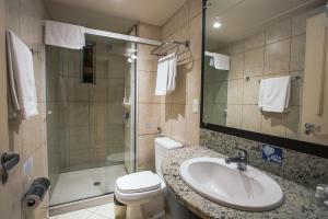 A bathroom at Dall'Onder Vittoria Hotel Bento Gonçalves
