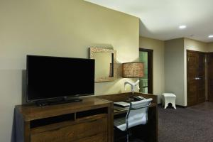 A television and/or entertainment center at Oxford Hotel Bend