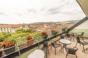 A balcony or terrace at Silver Hotel Budapest City Center