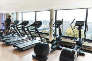 Het fitnesscentrum en/of fitnessfaciliteiten van Steigenberger Airport Hotel Frankfurt