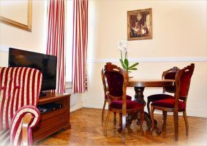 Część wypoczynkowa w obiekcie Ludvig Apartment