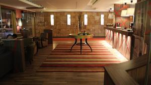 O lounge ou bar de شقق درر رامه 5