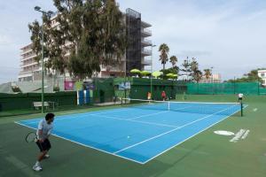 Tennis- en/of squashfaciliteiten bij Hotel El Tope of in de buurt