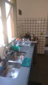 A restaurant or other place to eat at Casa em Toque Toque Pequeno