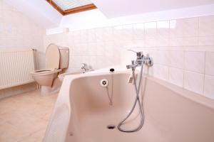A bathroom at Loft apartment