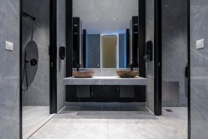 A bathroom at Diamond Boutique Hotel