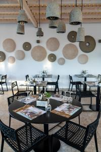 A restaurant or other place to eat at Diamond Boutique Hotel