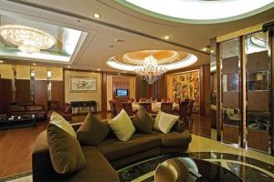 Лобби или стойка регистрации в Beijing Guangxi Hotel