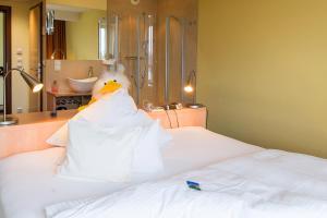Кровать или кровати в номере Mein SchlossHotel