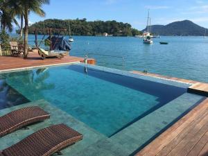 The swimming pool at or close to Pousada e Mergulho Jamanta